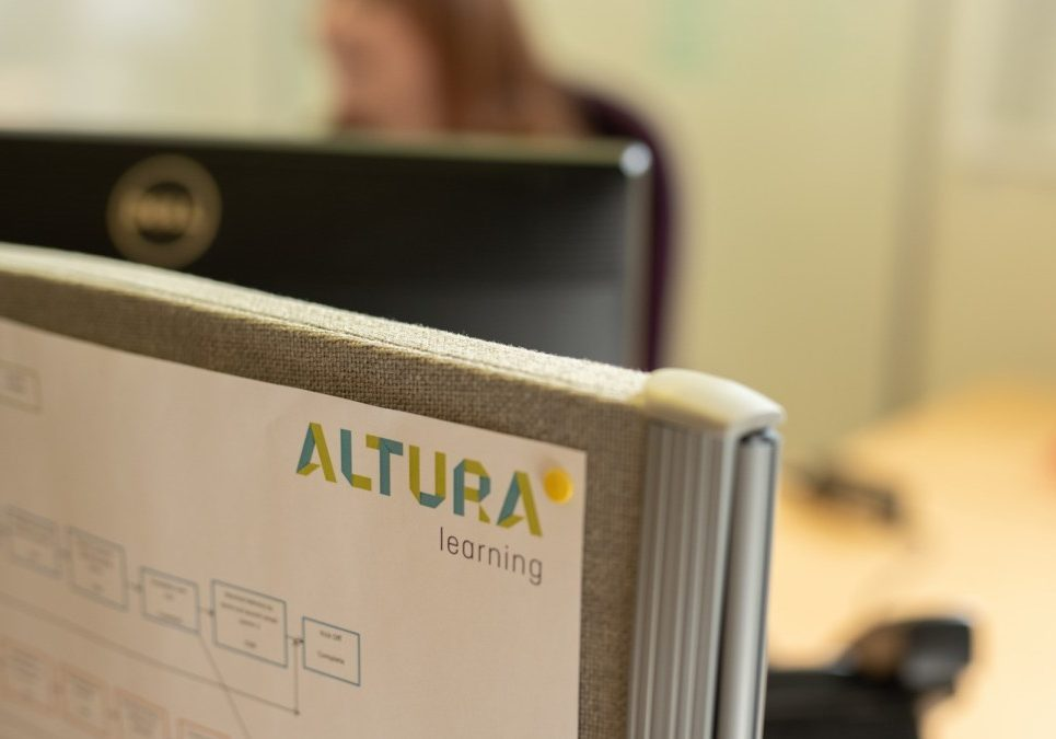 Altura Learning Authoring Online Course with Bridge